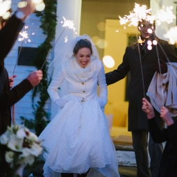 I can't get enough of these sparkler sendoff photos